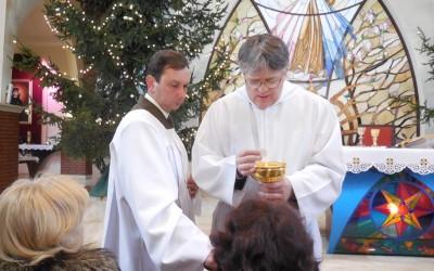 Pomocnicy prezbiterów i diakonów