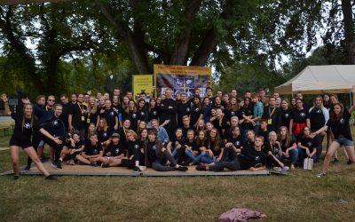 Spotkanie młodzieży i osób niepełnosprawnych w Henrykowie