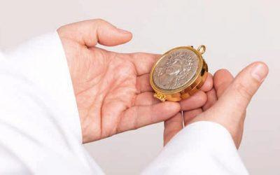 Posługa świeckiego szafarza Komunii Świętej
