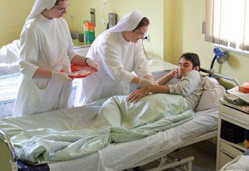 Osoba konsekrowana w służbie chorym